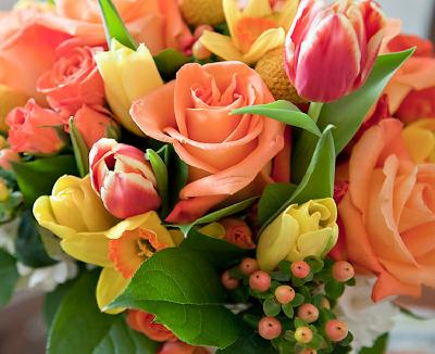 Дарите женщинам цветы – хорошее настроение придет вместе с их ароматом