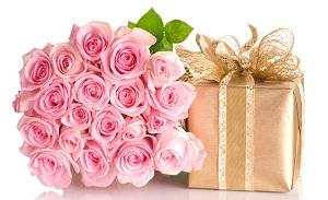 Цветы – универсальное дополнение к любому подарку