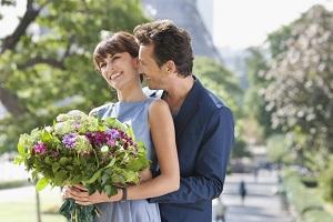 Букет цветов – хороший способ напомнить женщине, что она – особенная