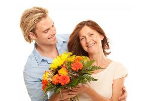 Чаще радуйте маму цветами