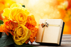 Цветы – прекрасное дополнение к подарку