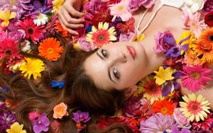 Женщинам нравятся любые цветы, если их дарят с любовью