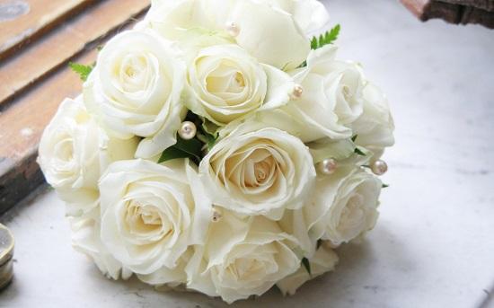Букет невесты из калл белых