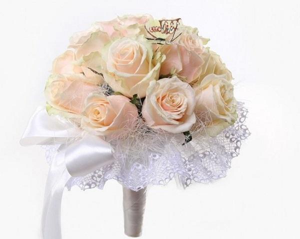 Свадебный букет из чайных роз