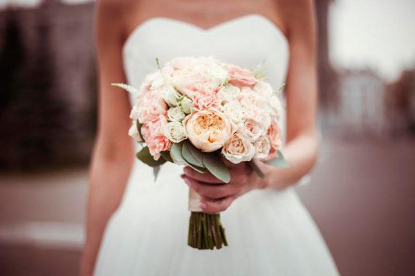 Букет свадебный маленький фото