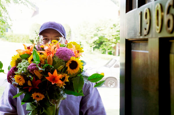 Картинки по запросу Служба доставки цветов