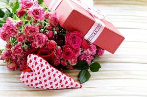 Мало что способно так сильно поднять настроение девушке, как букет цветов, подаренный без повода